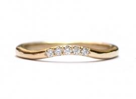 Trouwringen met fijne diamantjes