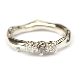Koraalring met diamanten