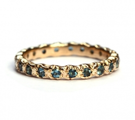 Eternity ring with indicolite