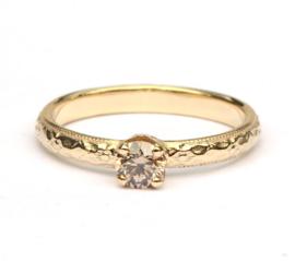 Art deco ring met bruine diamant