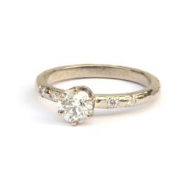 Verlovingsring witgoud met diamanten