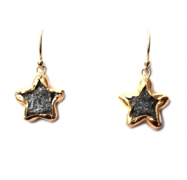 Star pendant with uncut diamond