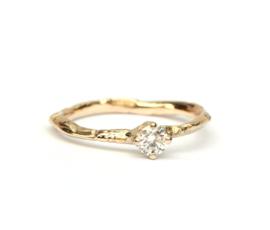 Fijne takjesring met diamant