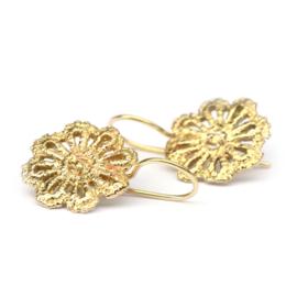 Oorhangers gouden kanten bloemen