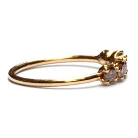 Ring met vijf bruine diamanten