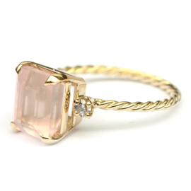 Ring met emerald cut rozekwarts