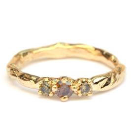 Ring met bruine en olijfkleurige diamanten