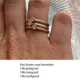 Smalle ring met bloemmotief