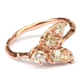 Bug ring in roodgoud met diamanten