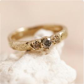 Elfie ring in 18k goud met  diamantjes