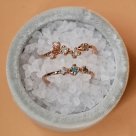 Ring met drie ice blue diamanten
