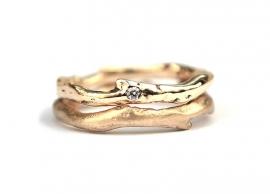 Organische trouwringen met diamant