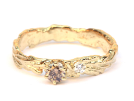 Forest tale ring met bruine en witte diamant