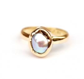 Gouden ring met keshi parel