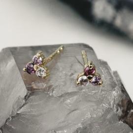 Oorsteker met drie kleuren roze diamant