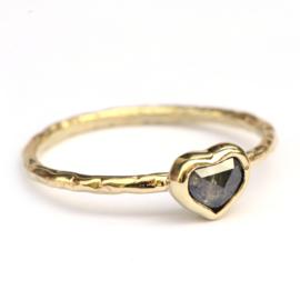Ring met hartje van diamant