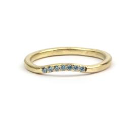 Aanschuifring met ijsblauw diamantjes
