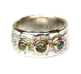 Zilveren ring met opalen in rosegoud