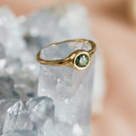 Robuuste ring met forest green diamant