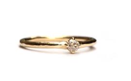 Ring met antieke diamant