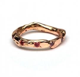 Rosegouden takjesring met roze diamanten