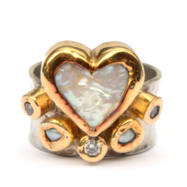 Ring with a big heart