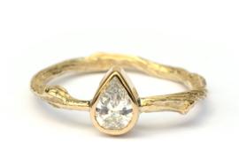 Verlovingsring met druppeldiamant