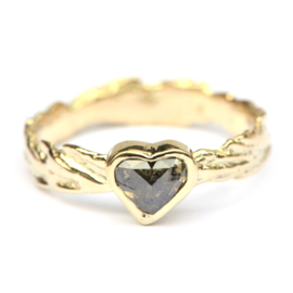 Ring met diamanten hart