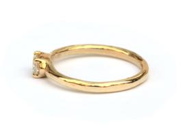 Ring met ovale diamant