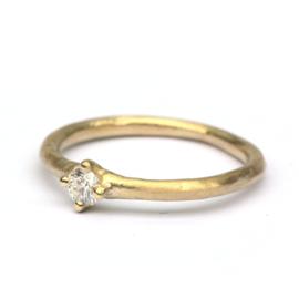 Moderne trouwringenset met diamant