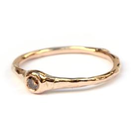 Roségouden ring met choco diamant