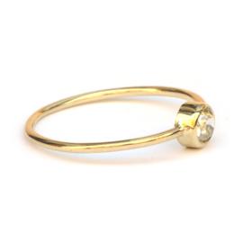 Fijne ring met bolsjewiek diamant