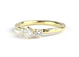 Ring met opaaldiamanten