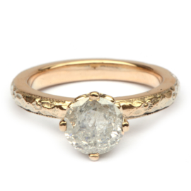 Ring met grote ice diamond