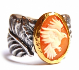 Leaves ring with bird