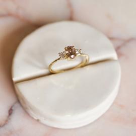 Ring Nalda met grote natural brown diamant