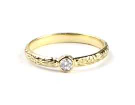 Bloemenring met opaaldiamant