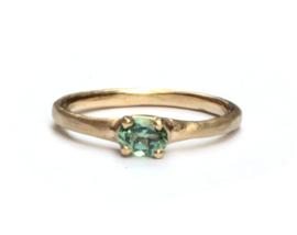 Ring met ovale groene toermalijn