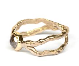 Gekruiste ring met diamant