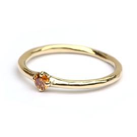Elegante ring met cognac diamant