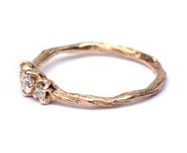 Twiggy ring in roodgoud met drie diamanten