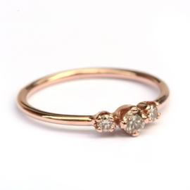 Roodgouden ring met lichtbruine diamanten