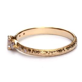 Ring met roze diamanten