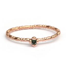 Noa ring met groene diamant