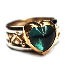 Ring met groen hart