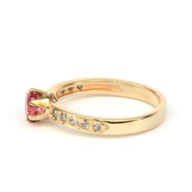 Ring met roze toermalijn en salt & pepper diamanten GERESERVEERD