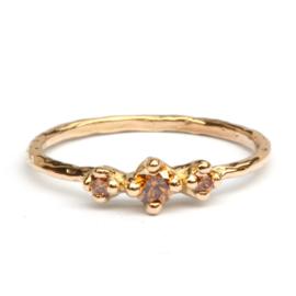 Ring Nico met drie cognacdiamanten