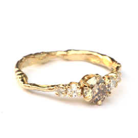 Grillige verlovingsring met diamanten