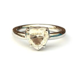 Verlovingsring met heart shape diamant
