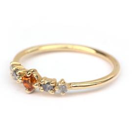 Ring met oranje saffier en salt & pepper diamantjes